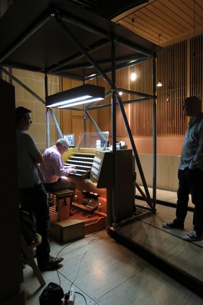 Dominic Eckersley playing the Ulm Münster organ